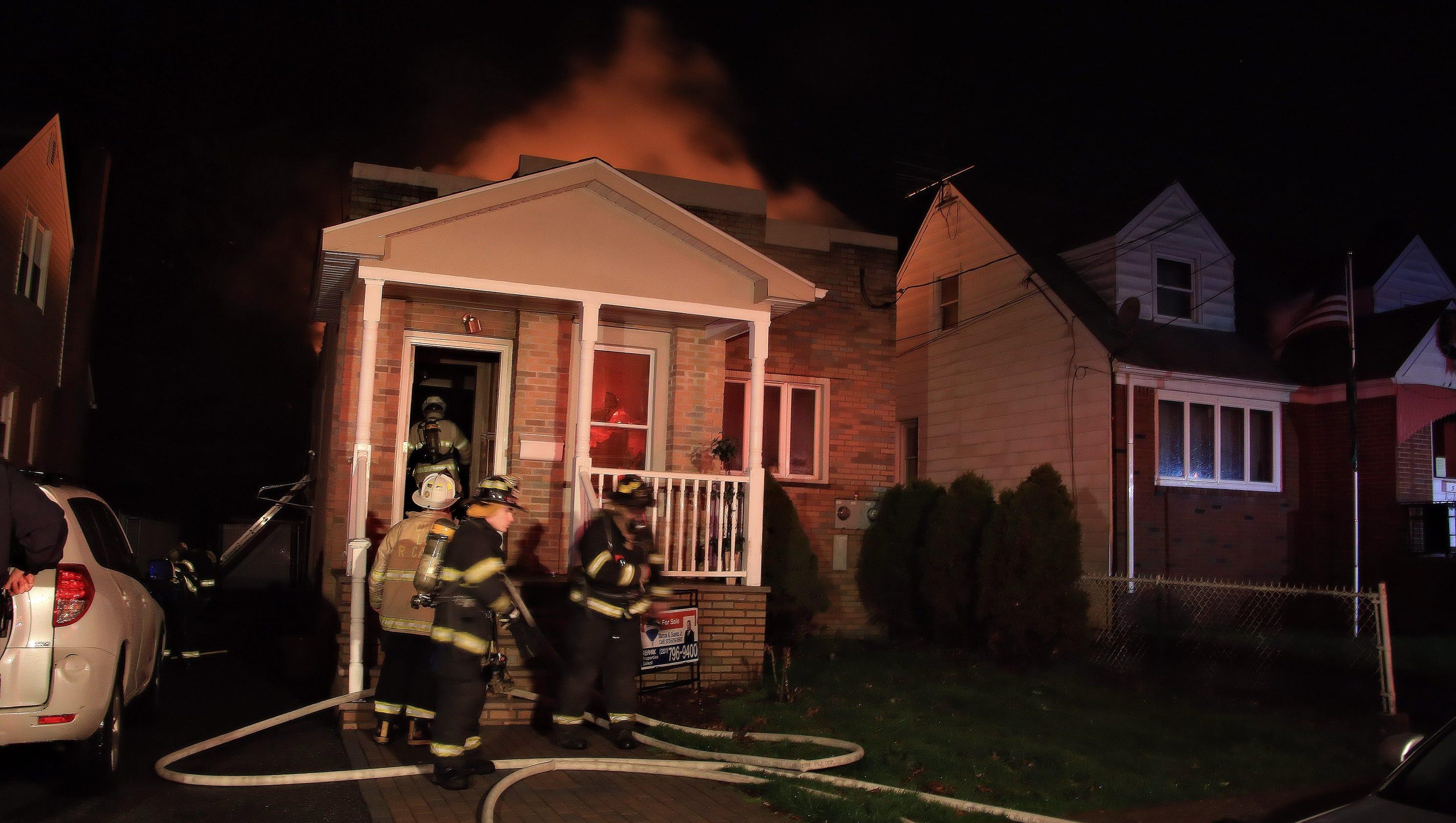 essay house on fire a house on fire essay for kids essay a house  firefighters battle early morning blaze in lodi