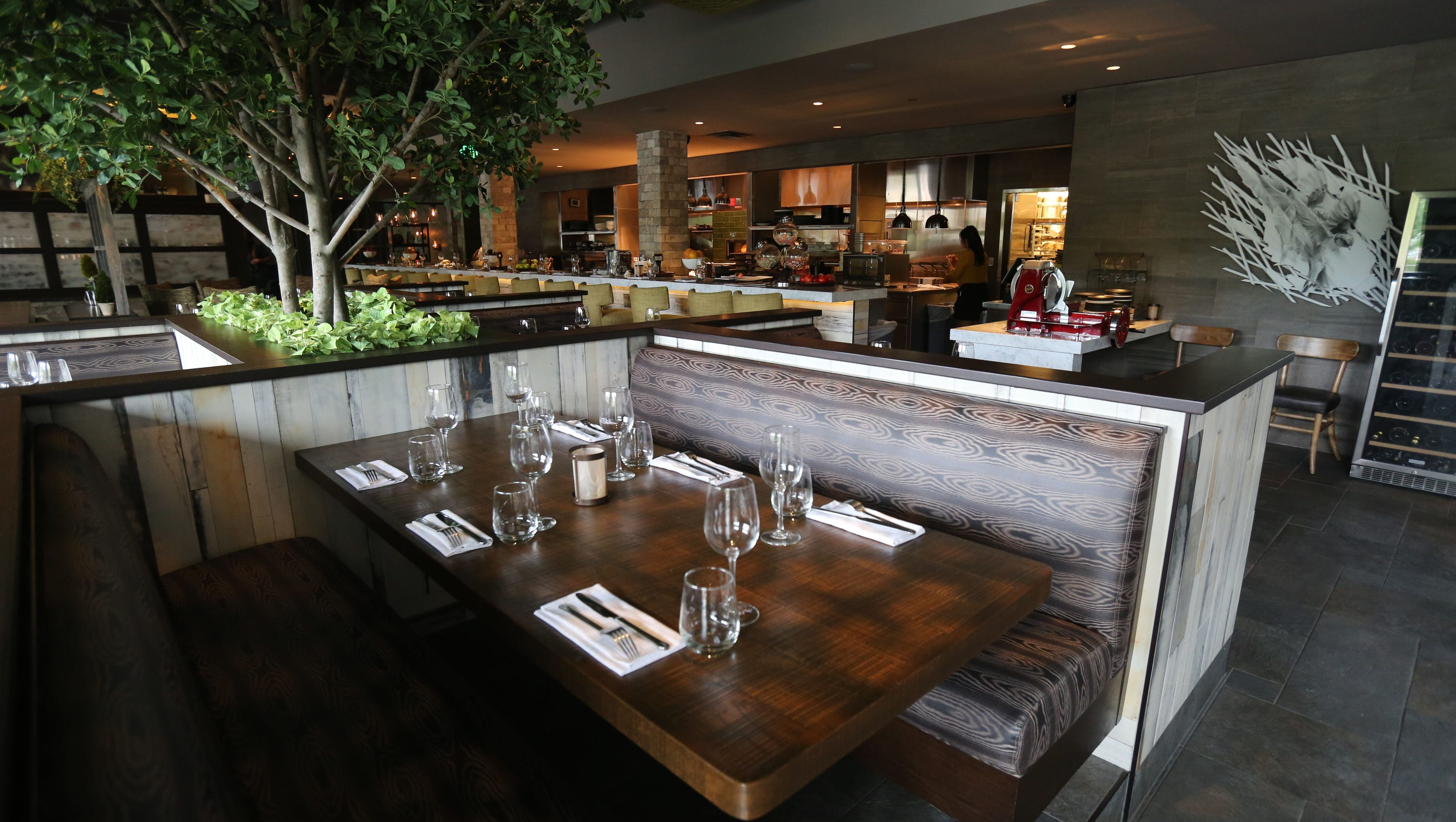 Photos city perch kitchen bar in dobbs ferry and ipic for Food bar kitchen jkl