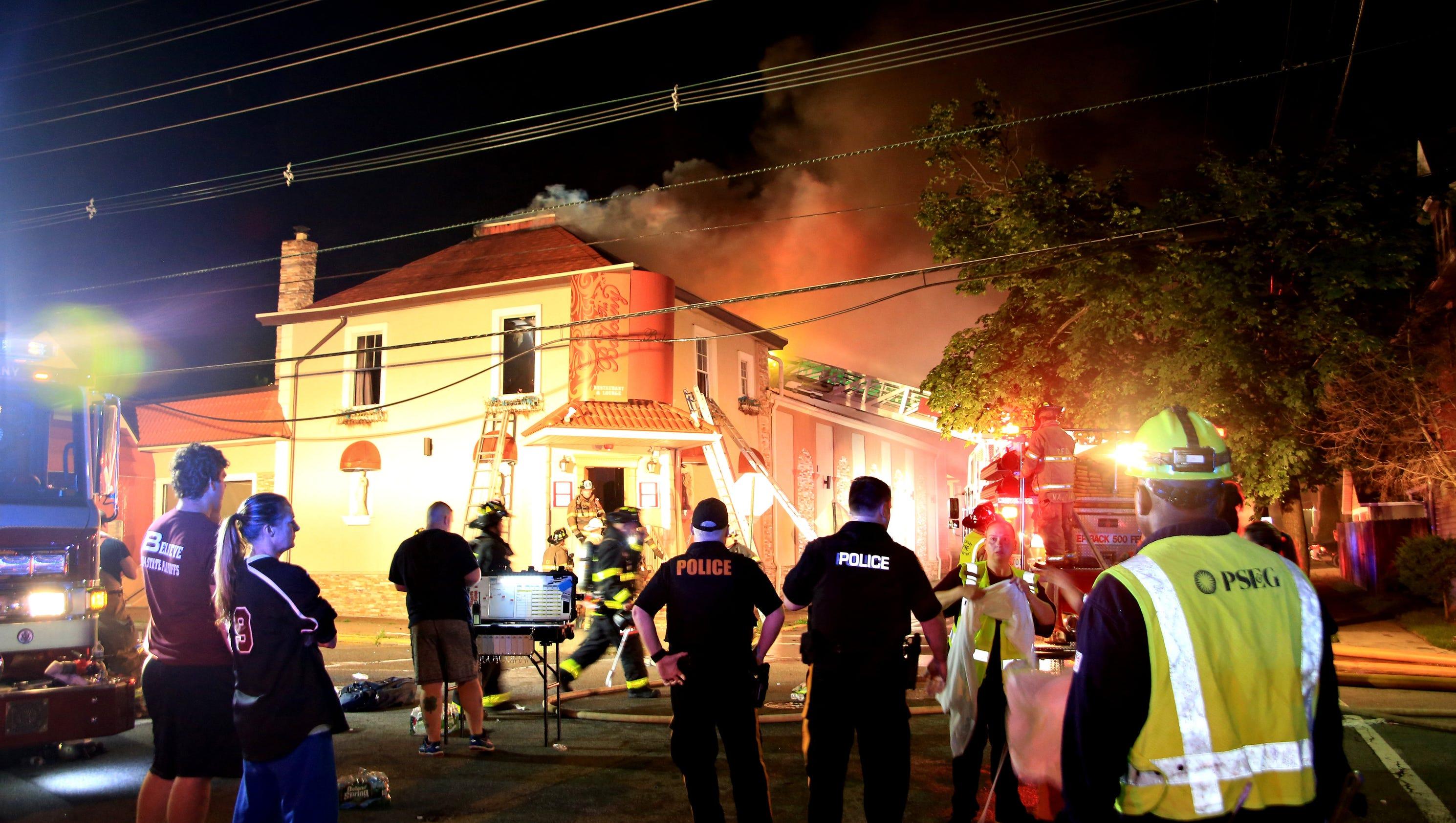 4 alarm fire rips through the balcony restaurant and bar for Balcony bar restaurant