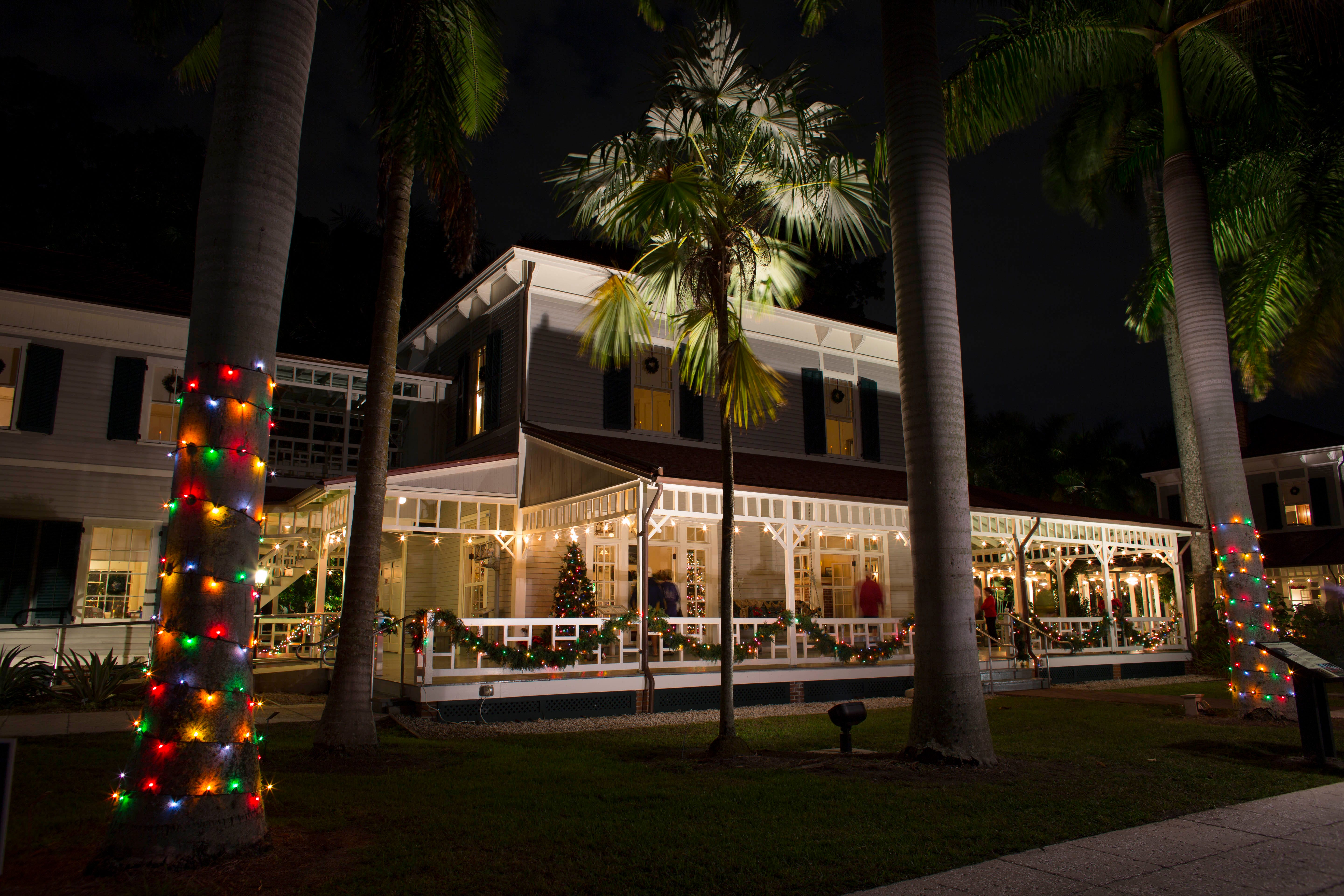 Fort Myers Cape C Dazzle For Holiday Season With Parades Lights & Lee Lighting Fort Myers Fl - Lilianduval azcodes.com