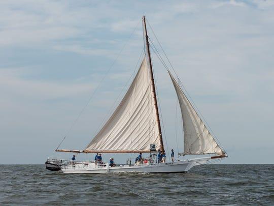 Ralph Musthaler The Minnie V. skipjack sails through