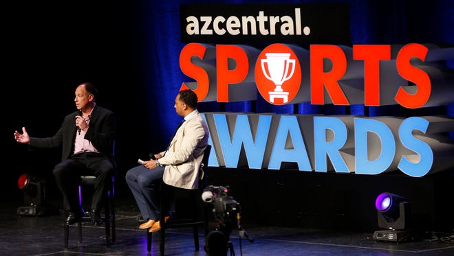 Luis Gonzalez (L) talks with azcentral's Greg Moore about life as an athlete with student athletes during the azcentral Sports Awards at ASU Gammage in Tempe, Ariz. on June 10, 2018. #azcsa