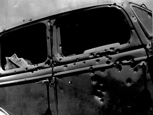 -66803 Bonnie and Clyde A.jpg_20090430.jpg