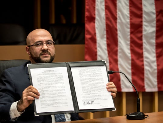 Prospect Park mayor signs executive order upholding Constitution