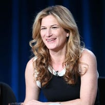 Ana Gasteyer described her show at Opening Nights on Sunday as a throwback to the days of big musical acts in nightclubs.