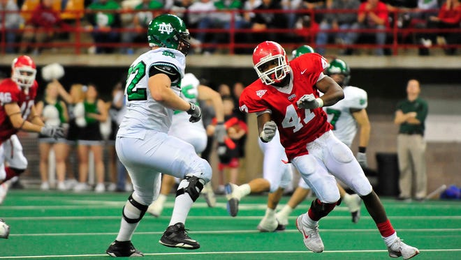 The University of North Dakota, shown here playing USD in 2008, is reportedly ready to join the Summit League and Missouri Valley Football Conference.