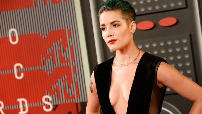 Halsey attends the 2015 MTV Video Music Awards at Microsoft Theater on August 30, 2015 in Los Angeles.