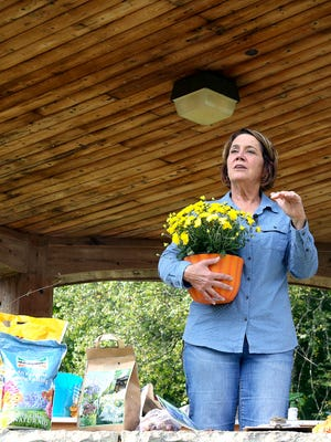 Melinda Meyers talked about fall gardening at the Cheery Cherry Fall Fair on Sept. 23.