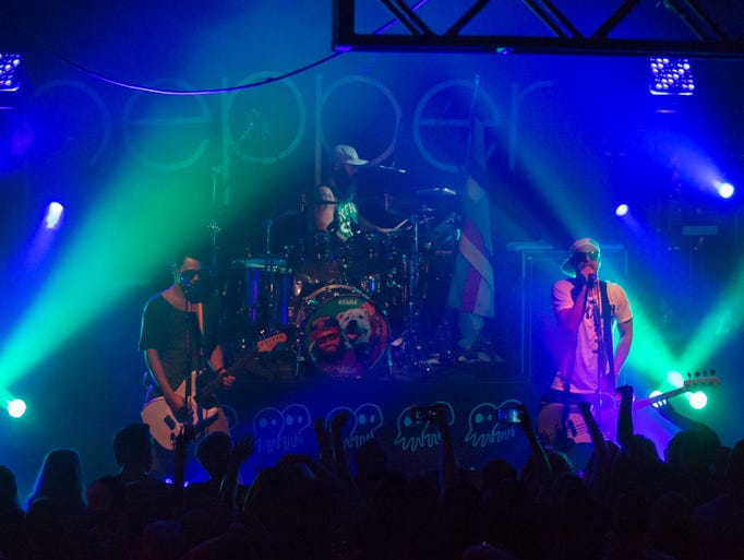 Pepper headlines a sold out show at Vinyl Music Hall