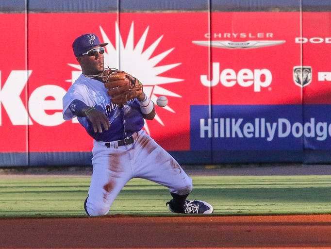 Blue Wahoos second baseman Shed Long (2) dives to stop