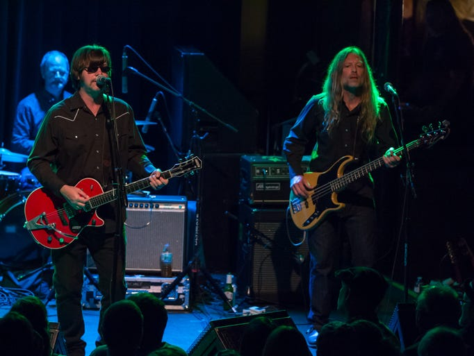 Son Volt closes out its 2017 tour with a headlining