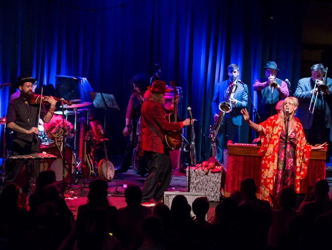 Squirrel Nut Zippers performs during the inaugural