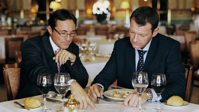 Avoid trying to conduct too much business during the meal. No one wants to answer questions with their mouth full.