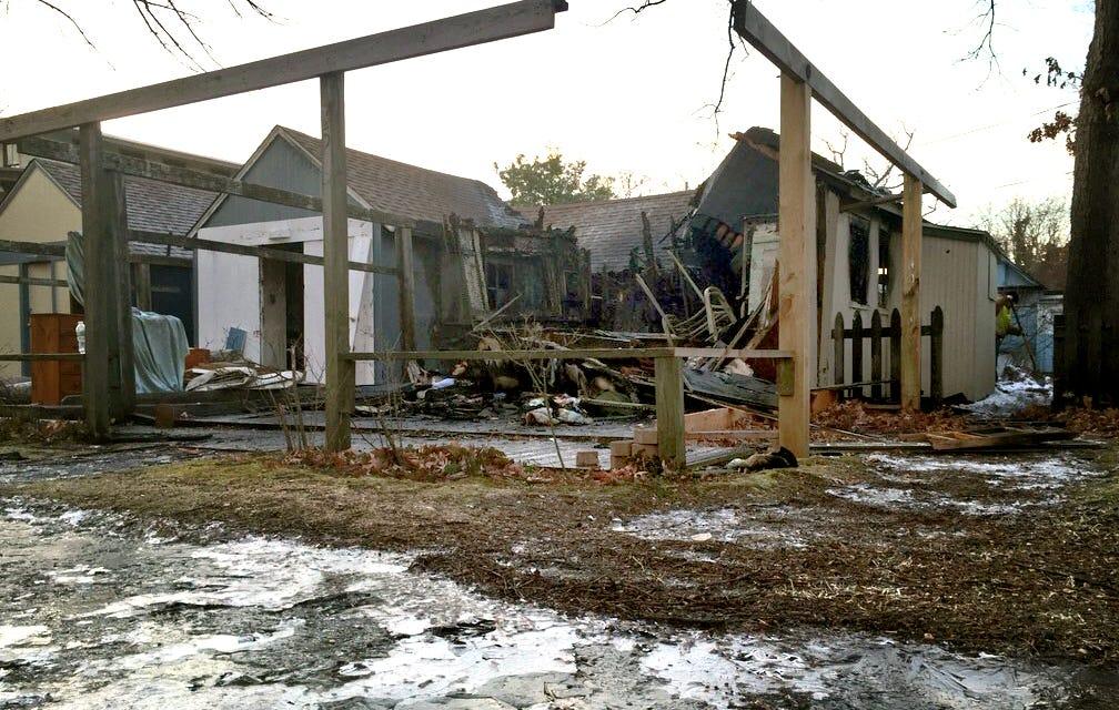 & Fire destroys Ocean Grove tent