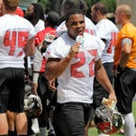 Bucs conclude steamy minicamp with frozen treats