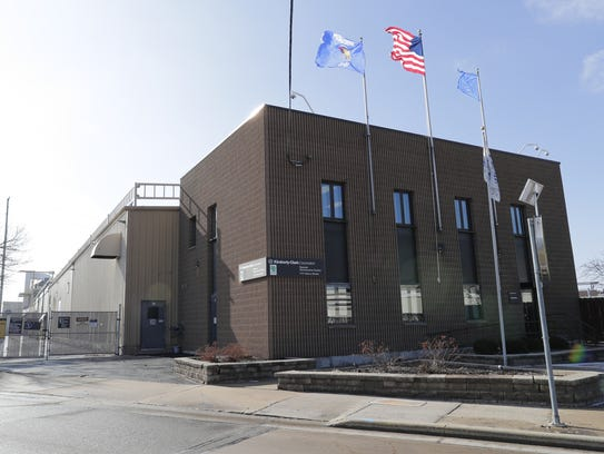 Kimberly-Clark Corp.'s Nonwovens facility in Neenah will be closed within 18 months, the company announced Wednesday. In addition, the facility on Cold Spring Road in Fox Crossing will be closed as part of a worldwide restructuring plan. About 600 jobs will be lost.