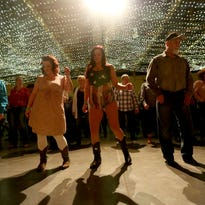 Barn Dance at Oregon Garden attracts 400 people