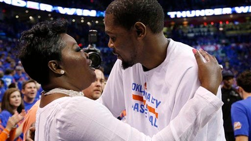 Kevin Durant, right, with his mother, Wanda Pratt