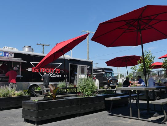 Detroit 75 Kitchen is a food trailer located in the