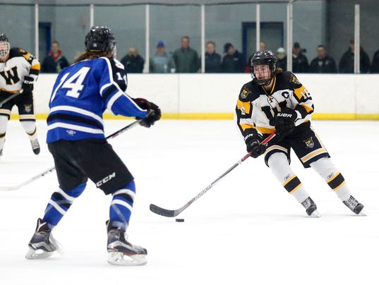 636228839475229787-FON-021617-waupun-vs-sms-hockey-0151-.jpg