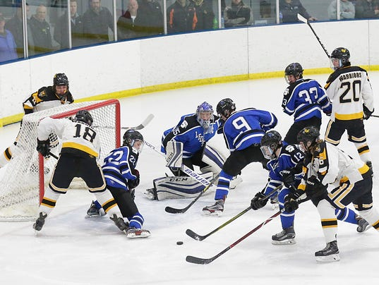 636532844810147830-FON-sms-vs-waupun-hockey-020318-dcr078.jpg