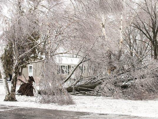 636593116623329124-FON-april-14-ice-storm-041418-dcr073.jpg.jpg