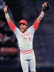 Barry Larkin celebrates the series-ending foul pop-up out that landed in Todd Benzinger's first baseman's mitt.