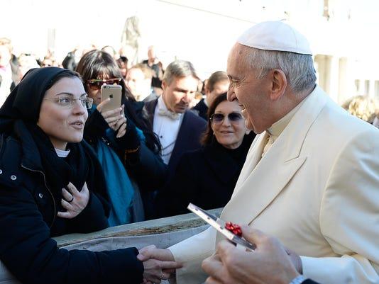 Vatican Pope Singing _Atki.jpg