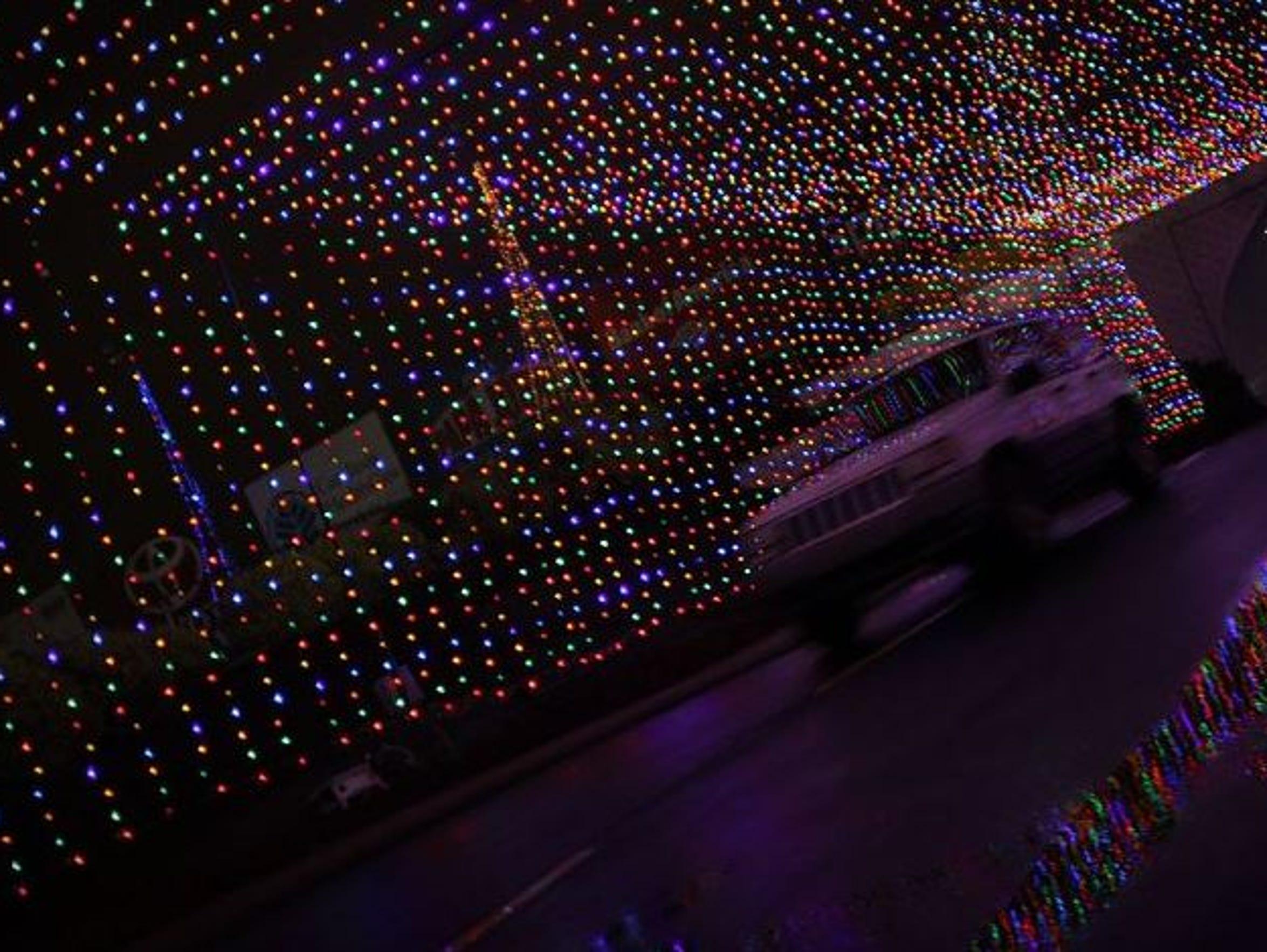 Nc popular holiday light displays to visit for Charlotte motor speedway christmas lights nc