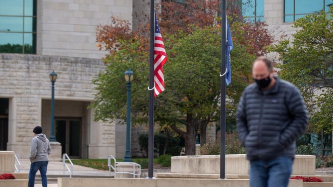 Gov. Laura Kelly announced Wednesday that flags would be flown at half-staff in honor of the more than 1,000 Kansans who have died of COVID-19.