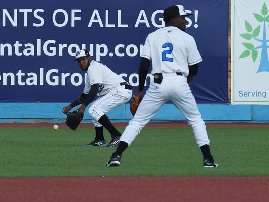 Renegades' Angel Perez, left, goes to get the ball