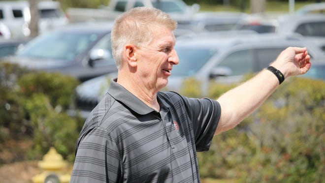 Jim Leavitt is Florida Atlantic's new defensive coordinator this season.