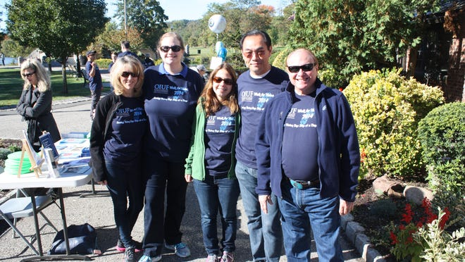 Frances Foster, Lauren Jacobs-Lazer, Alison Jusus, Dr. David Chu and Dr. Stephen Foster at The 5K Walk for Vision New Jersey.