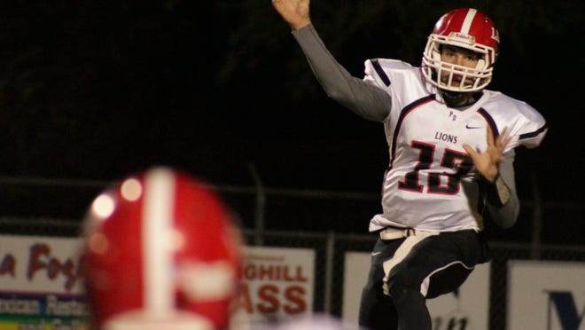 Former Plain Dealing quarterback and current Captain Shreve assistant football coach Logan Allen died Sunday following a vehicle accident.