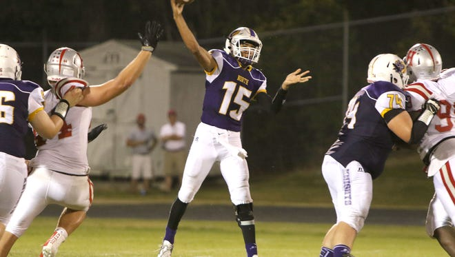 Former North Henderson quarterback Kalin Ensley (15) has transferred from North Henderson to Hendersonville.