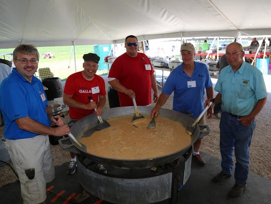 "Chefs of ""the biggest omelette you have ever seen"""