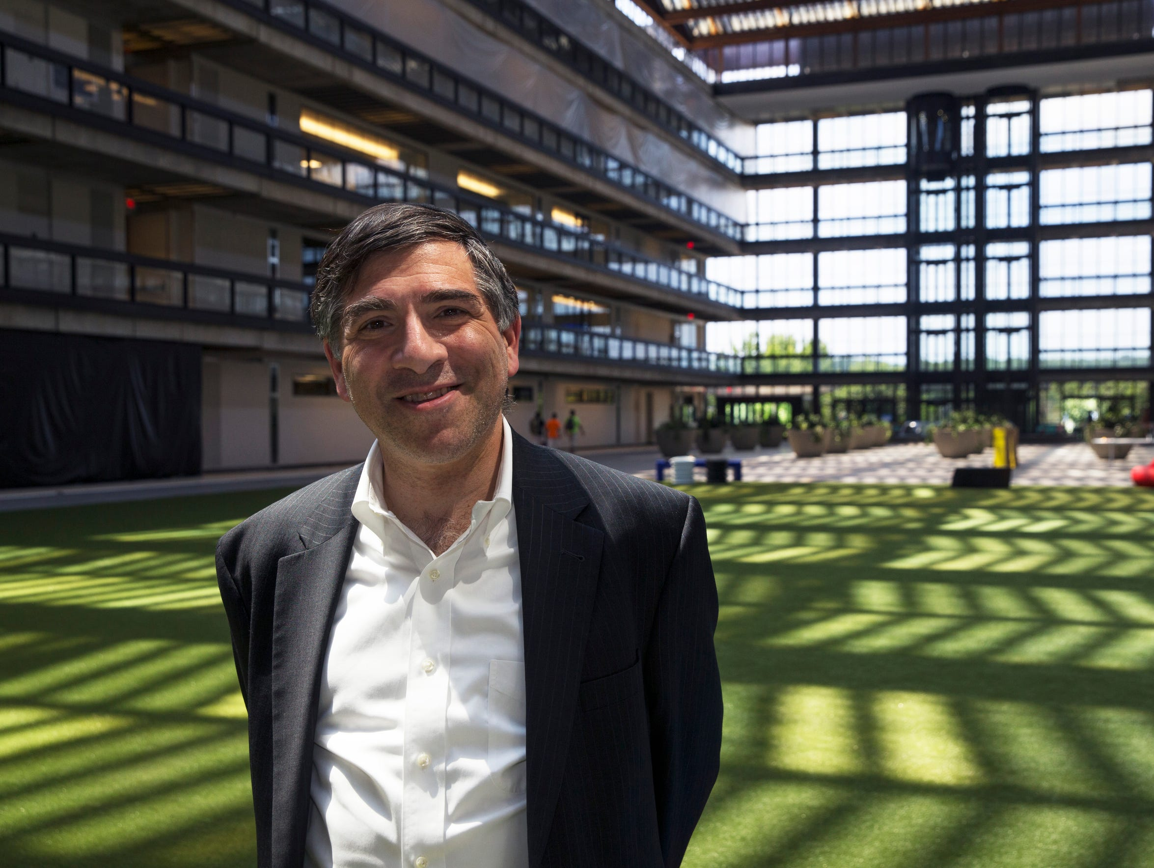 Ralph Zucker is winning accolades for bringing the old Bell Labs building back to life, turning a research center for a giant monopoly into an economic hub for the digital age.