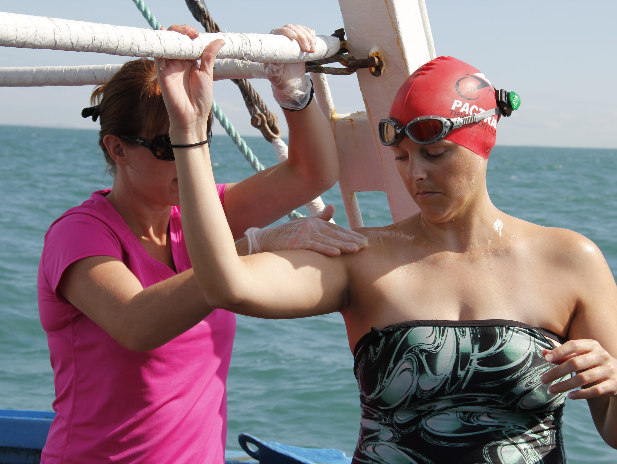 Amy Cheatham Hayes swims the English Channel