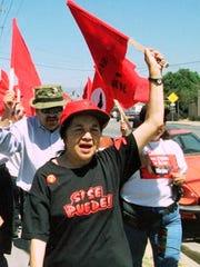 Dolores Huerta helps lead about l,000 D'Arrigo Bros.