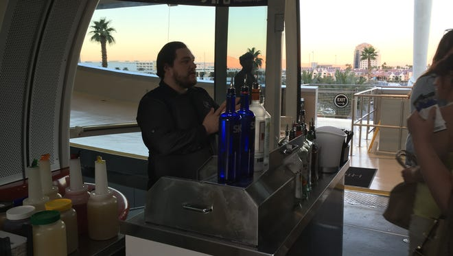 The Happy Half Hour ride on the High Roller observation wheel includes an open bar for the 30 minute ride.