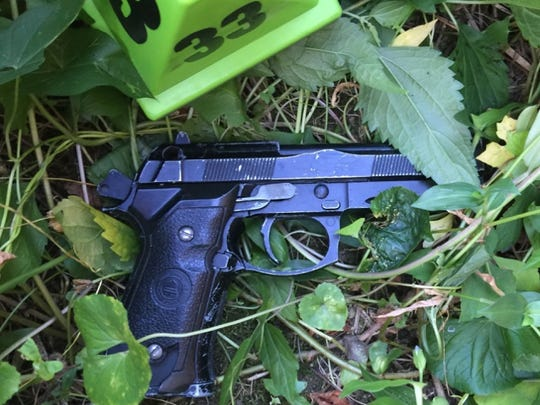 An image of the replica gun used by the suspect