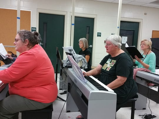 Voces Angelorum rehearse for spring concert set for May 21.