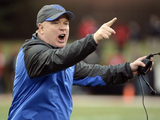 How's this for movin' on up? Mark Stoops parlayed a 5-7 record at Kentucky into a pay raise for $3.25 million in 2015.