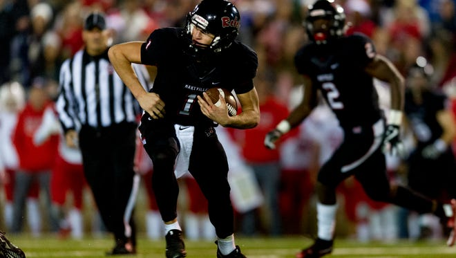 Maryville's Dylan Hopkins (1) runs the ball during the semifinal round TSSAA football playoffs between Maryville and Oakland high schools at Maryville High School in Maryville , Tennessee on Friday, November 24, 2017.