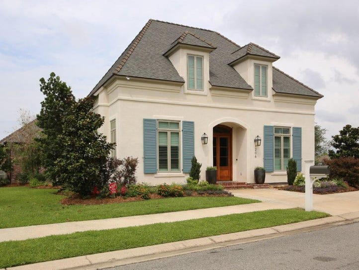 This 4 bedroom, 4 1/2 bath home is located at206 Meridian
