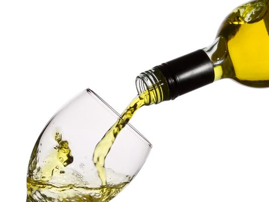 635998821110130552-wine-pouring.jpg