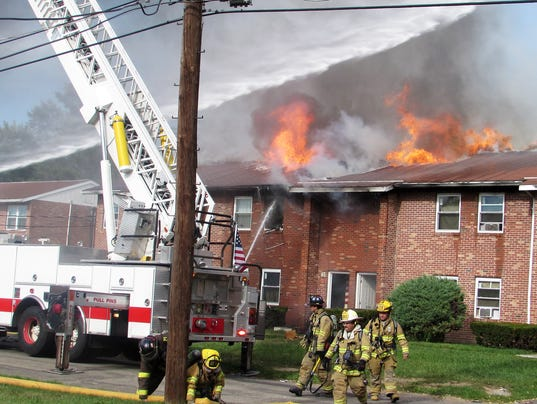 ELM 092715 apartment fire 1 jdm
