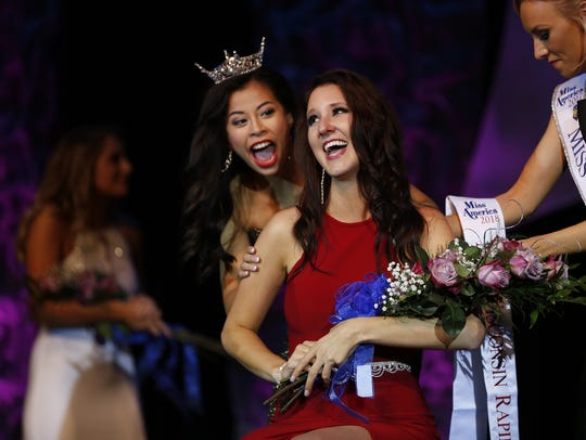 Hannah Ashbeck is crowned during the Miss Wisconsin