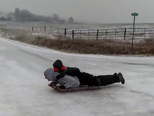 636553347018420839-Sled-ride.PNG