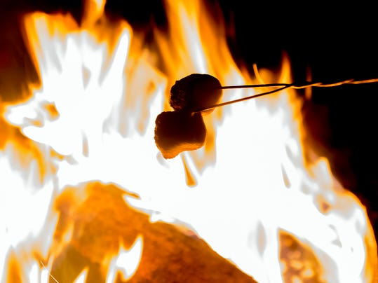 IMG_hayride-campfire-877_1_1_2L95H6R7.jpg_20141120.jpg